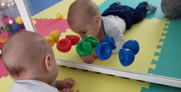 csecsemő mozgásfejlődése